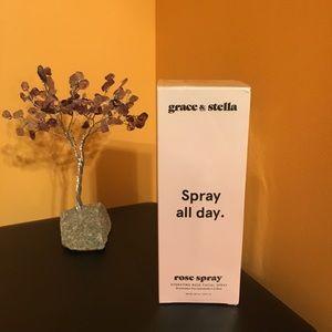 Grace and Stella Rose spray